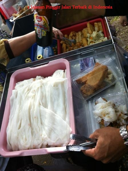 5 Jajanan Pinggir Jalan Terbaik di Indonesia